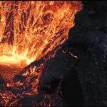 O dronă a căzut chiar în interiorul vulcanului care erupea. Ultimele imagini surprinse sunt spectaculoase (Video)