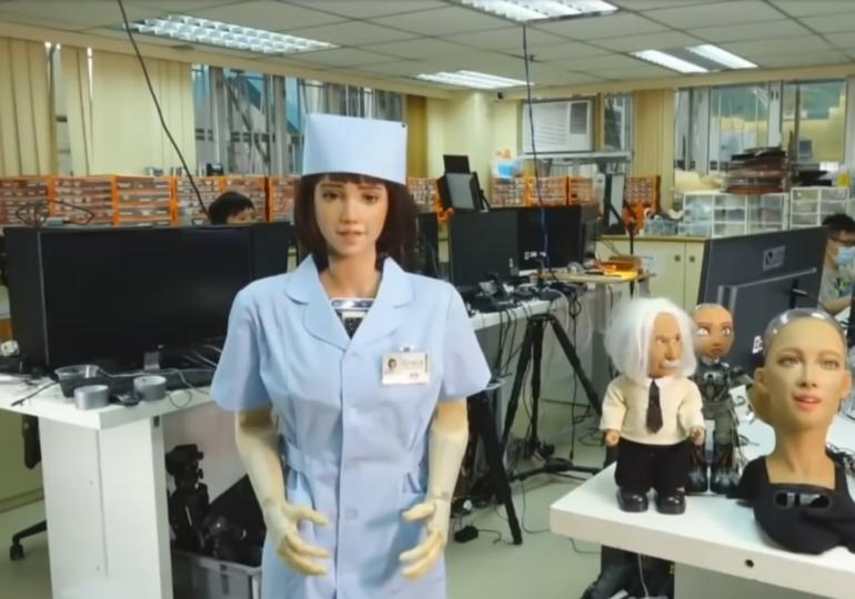 A fost creată Grace, asistenta medicală robot: Seamănă izbitor cu un om și-i va ajuta pe cei izolați din cauza COVID-19 (Video)