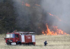 Alertă de călătorie în Grecia: Risc ridicat de incendii inclusiv pe o insulă căutată de turiști