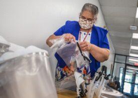 """Peste 150 de angajați ai unui spital din Texas, fără loc de muncă după ce au refuzat vaccinarea: Comparații cu """"experimentele medicale forţate în timpul Holocaustului"""""""