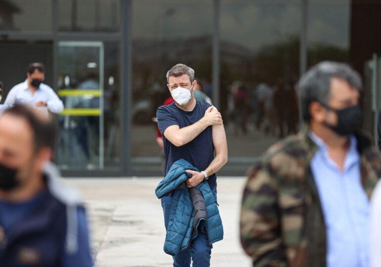 Un epidemiolog spune că valul 4 de COVID e inevitabil: Guvernul a pus pistolul pe masă și te va lăsa să îți tragi un virus în piept