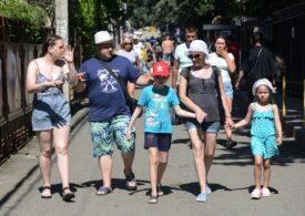 Pandemia a produs schimbări sociale: 51% dintre români recunosc că au trăit sentimentul de singurătate (Sondaj)