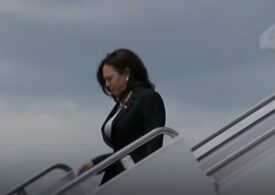 """Avionul Kamalei Harris s-a întors la sol imediat după decolare: """"Cu toţii am spus o mică rugăciune"""" (Video)"""