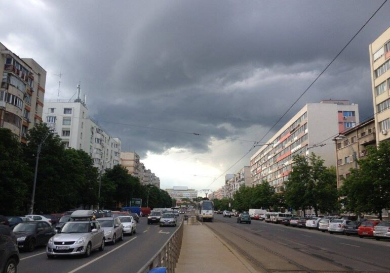 Meteo: Căldură și furtuni