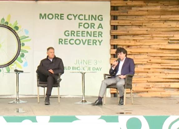 Nicușor Dan promite piste de biciclete şi prețuri mai mari la parcare. Iohannis cere acțiuni concrete: Nu e de ajuns să vorbim, trebuie să și facem ceva! (Foto & Video)