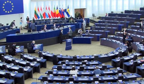 Parlamentul European se pregătește să dea în judecată Comisia pentru că nu a condiționat banii UE de respectarea statului de drept