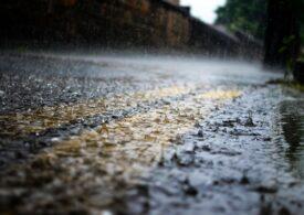 Cod galben de ploi puternice până duminică
