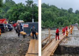 Cele 12 persoane izolate la Nereju au fost salvate