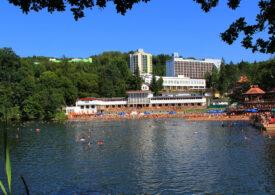 Lacul Ursu din Sovata, menționat în Cartea Recordurilor, a fost deschis pentru turiști. Apa are între 28 și 39 de grade Celsius