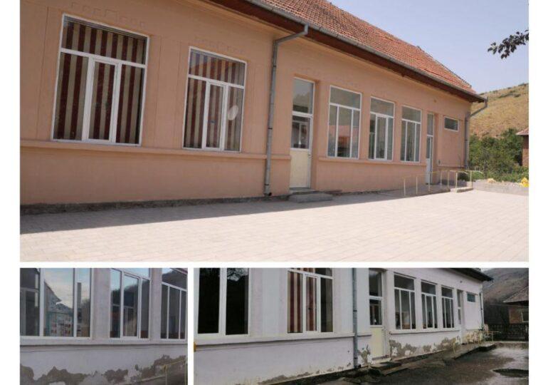 Zeci de şcoli din mediul rural sunt renovate de un ONG cu ajutorul companiilor și persoanelor fizice