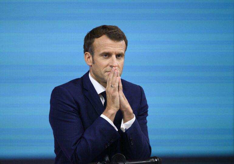 Consiliul Constituţional din Franţa validează permisul sanitar și vaccinarea obligatorie, dar nu și izolarea forțată