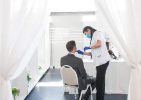 Persoanele vaccinate complet nu sunt considerate contacţi direcţi ai unui caz pozitiv şi nu intră în carantină
