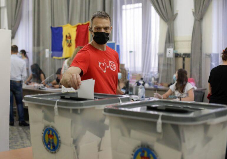S-au numărat toate voturile în Republica Moldova: Partidul Maiei Sandu câștigă detașat şi obţine 63 din cele 101 mandate, în Parlament
