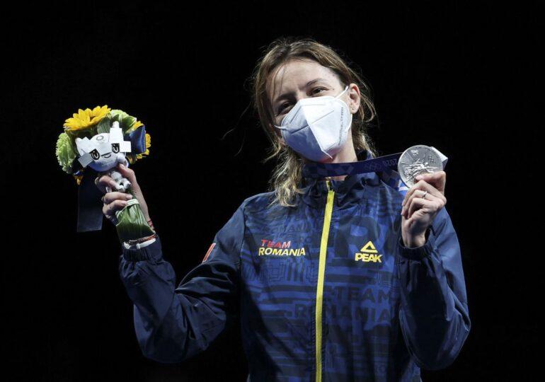 """Ana Maria Popescu îl înțeapă pe ministrul Tineretului și Sportului: """"Sper sa veniți dumneavoastră cu aurul"""""""