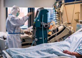 """SUA se așteaptă la """"un număr surprinzător de mare de morți cu COVID"""". Multe secții ATI sunt pline deja de pacienți între 20 și 40 de ani"""