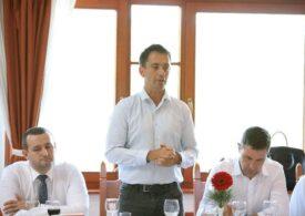 Liderul deputaţilor UDMR: Ministrul Justiţiei alunecă spre 'stalinism'; Dan Barna a intrat în acest 'delir'