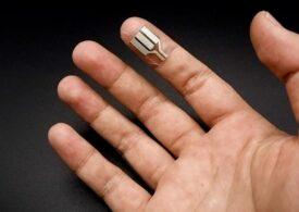 Americanii au creat un dispozitiv pentru deget care produce energie din transpiraţie, în timp ce dormim (Video)