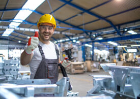 De ce să achiziționezi echipamente de muncă de la o unitate protejată?