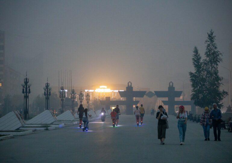 Siberia e în flăcări, lovită de cea mai secetoasă vară din ultimii 150 de ani. Deja au ars 1,5 milioane de hectare (Foto & Video)