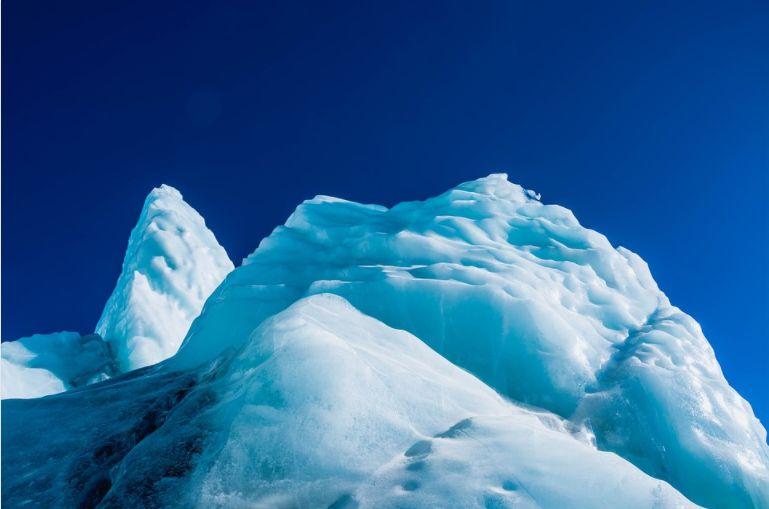 Virusuri de 15.000 de ani au fost găsite într-un ghețar din Tibet. Nu seamănă cu nimic din ce cunoaștem