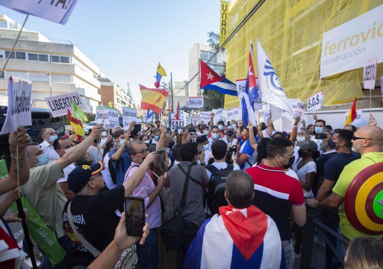 Criza din Cuba se amplifică: Populația a fost lăsată fără acces la Internet
