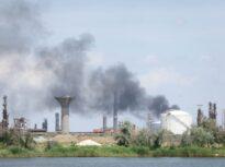 Rafinăria Petromidia a fost amendată cu 100.000 de lei pentru poluare, după incendiul în care au murit 3 oameni