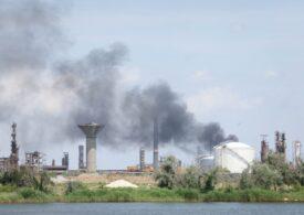 Explozie puternică la Petromidia: Un angajat a murit, mai mulţi sunt răniţi, calitatea aerului a fost afectată (Foto&Video)