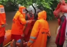Muson mortal în India: Bilanţul a crescut la 124 de morţi şi zeci de dispăruţi