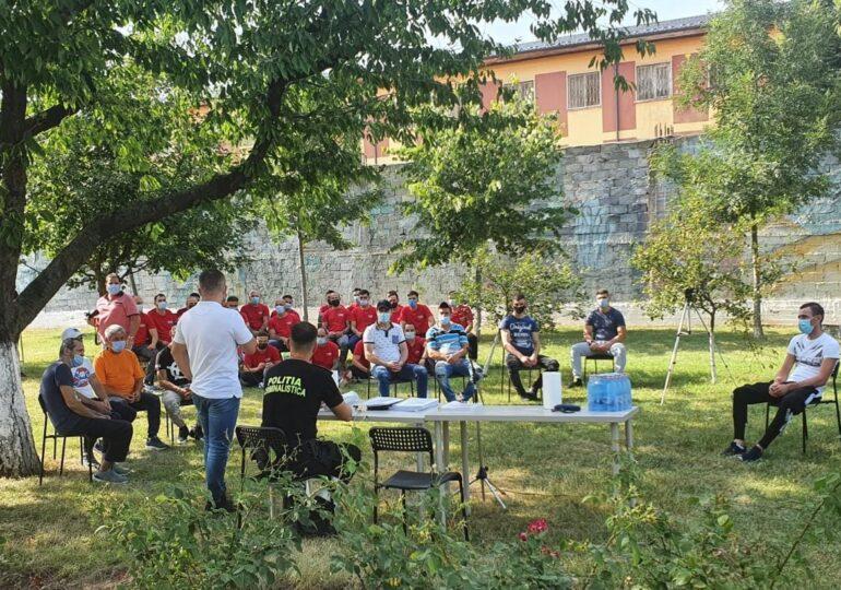 """Întâlnire de gradul """"zero"""" la Penitenciarul Jilava: Polițiști rutieri, față în față cu condamnați pentru infracțiuni rutiere"""