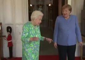 Regina Marii Britanii a primit-o pe Merkel, în ciuda protocolului din pandemie: Să facem istorie (Video)