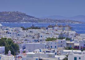 Turiștii sunt sfătuiți să evite insulele Mykonos, Santorini și Rhodos. Creta era deja pe listă