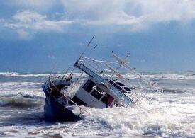 Zeci de migranţi s-au înecat după naufragiul unui vas în Mediterană