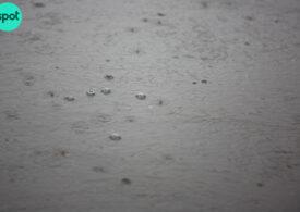 Cod portocaliu de ploi, inclusiv pe litoral. În Bucureşti, aproape caniculă