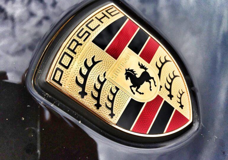 Porsche intră în cursa spațială, la concurență cu Jeff Bezos și Elon Musk