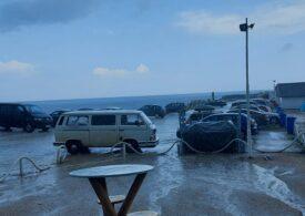 Potop pe litoral, cu grindină și vânt puternic (Video)