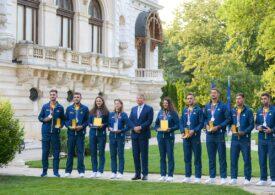 Iohannis i-a decorat pe sportivii români medaliaţi la Tokyo: Sunt modele pentru campionii de mâine și o sursă de inspirație pentru fiecare copil