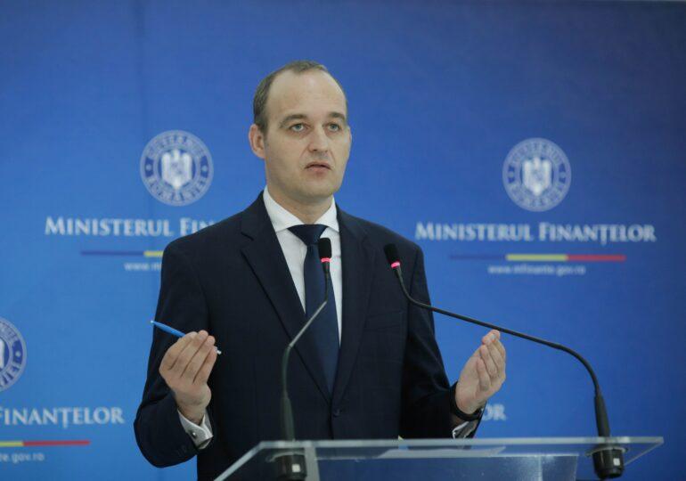O nouă gafă a ministrului de Finanțe: Nu știe cât este salariul minim net. Imediat a fost taxat de USR PLUS