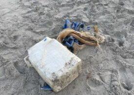Un turist a găsit pe o plajă cocaină în valoare de un milion de dolari