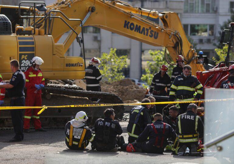 Serie de anchete după prăbuşirea malului de pământ peste muncitori, în Capitală