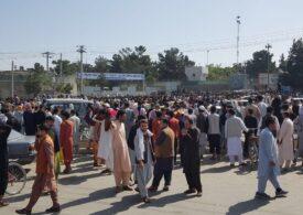 Talibanii le cer afganilor să plece de pe aeroportul din Kabul, după ce 12 oameni au fost uciși: Nu vrem să rănim pe nimeni!