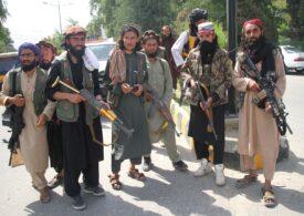 Talibanii au ajuns lângă Valea Panjshir, una dintre puținele zone necucerite