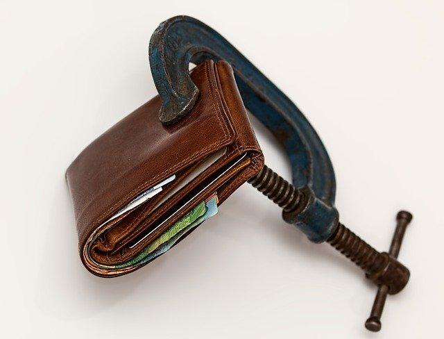 INS anunţă o rată a inflaţiei de 5%, după avertismentele lui Isărescu. Curentul, gazele şi uleiul s-au scumpit cel mai mult