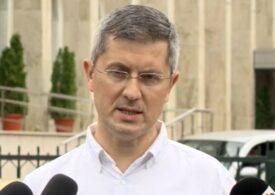 Barna, despre referendumul de demitere a lui Clotilde Armand: Gabriela Firea nici nu stă în Bucureşti, dar a semnat prima