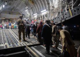 SUA anunță că au evacuat până acum din Afganistan peste 63.000 de oameni