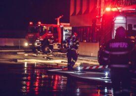 Incendiu la Timișoara: Ard tone de vopseluri