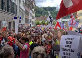 Protest cu mii de persoane în Elveția, față de restricțiile antiCovid: Un polițist a fost rănit (Video)
