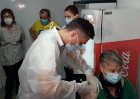 Peste 60.000 de români s-au vaccinat anti-COVID în ultimele 24 de ore, mai mult de jumătate cu a treia doză (Infografic)