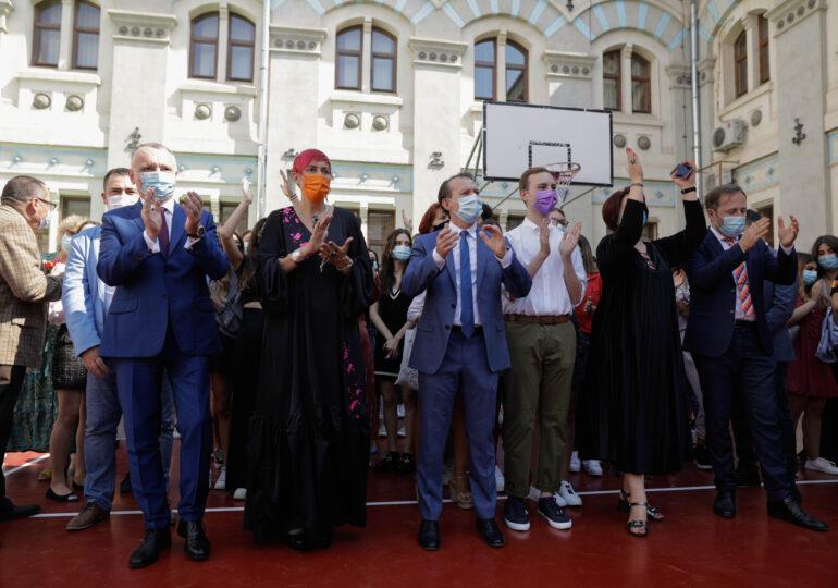 Cum explică premierul Florin Cîțu prezența sa alături de Piedone la deschiderea anului școlar
