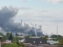 Incendiu la rafinăria Petrotel din Ploieşti. Lukoil acuză că procedurile de alertă ISU au generat inutil panică