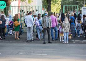 Peste 4.500 de elevi și profesori au fost confirmați cu COVID de la începerea școlii. Și sunt doar infectările de la finalul vacanței